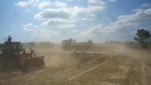 brumisateur contre les poussières sur les chantiers à La Réunion